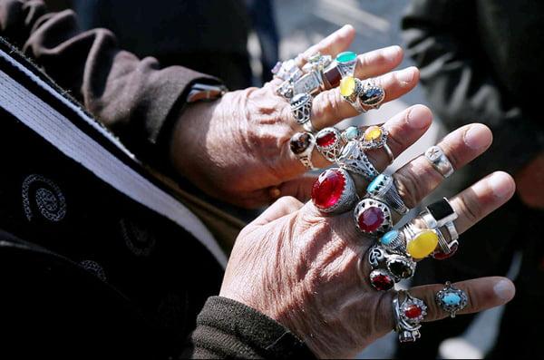 انگشتر در کدام انگشت کدام دست